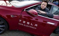 Tak Puas Jualan Mobil, Bos Tesla Mau Jual Miras