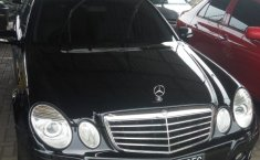 Mercedes-Benz 200E 2.0 Manual 2009 Dijual