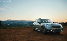 Review MINI Cooper S Countryman Sports 2018