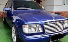 1994 Mercedes-Benz E220 dijual
