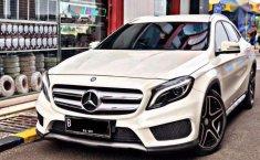 Mercedes-Benz GLA 200 () 2014 kondisi terawat