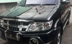 Isuzu Grand Touring  2015 DVG.WIS.Entities.Color