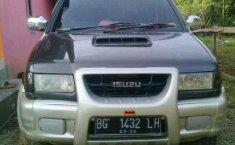 2002 Isuzu Grand Touring dijual