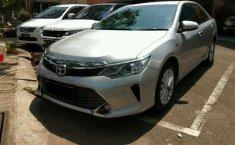 Toyota Camry V 2015 harga murah