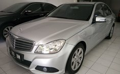 Jual Mercedes-Benz C200 2.0 Automatic 2011