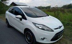 Ford Fiesta Trend 2012 Putih
