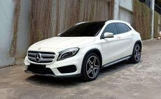 Mercedes-Benz GLA 200  2015 DVG.WIS.Entities.Color