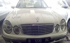 Jual Mercedes-Benz E260 V6 2.6 Automatic 2005