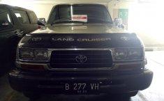 Toyota Land Cruiser Standard Spec E 1995