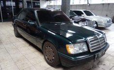 Mercedes-Benz 230E NA 1990 DVG.WIS.Entities.Color