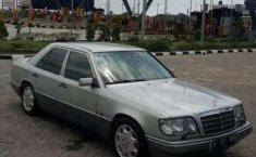 Mercedes-Benz E220 1996 dijual