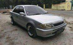 Toyota Soluna 2000 terbaik