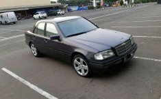 Mercedes-Benz C63 AMG () 1994 kondisi terawat