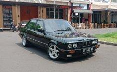 BMW 318i E30 1.8 Sedan 1990 Dijual