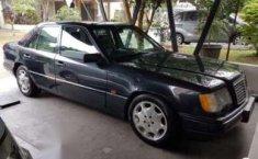 Mercedes-Benz E220 1995 terbaik
