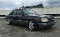 Mercedes-Benz E220 1994 terbaik