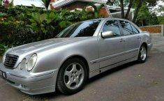 Mercedes-Benz E240 () 2000 kondisi terawat