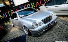 2002 Mercedes-Benz E240 dijual