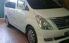 Hyundai Starex  2012 Putih