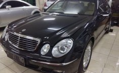 Mercedes-Benz E240  2005 Hitam