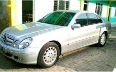 Mercedes-Benz E260 () 2004 kondisi terawat
