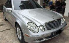 Mercedes-Benz E260  2004 harga murah