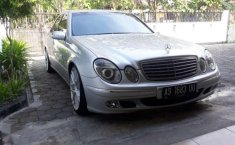 Mercedes-Benz E260 () 2003 kondisi terawat
