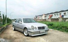 Mercedes-Benz E320 1996 terbaik