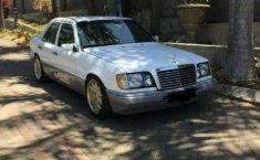 Mercedes-Benz E320  1989 harga murah