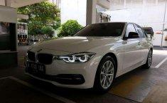 BMW 5 Series (520i) 2017 kondisi terawat