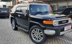 Toyota FJ Cruiser  2013 harga murah
