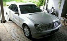 Mercedes-Benz E260 2004 terbaik