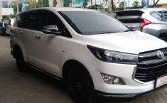 Toyota Innova Venturer 2016 Dijual