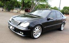 Dijual Merceds-Benz C240 Classic 2005