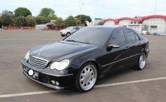 Dijual Mercedes-Benz C240 Classic 2005