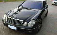 Mercedes-Benz E260  2003 harga murah