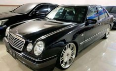 Mercedes-Benz E320 Elegance 1998 harga murah