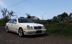 Mercedes-Benz E320 Automatic 1997 harga murah