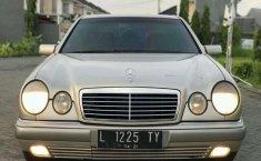 Mercedes-Benz E320 Elegance 1996 Silver