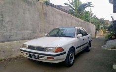 Toyota Corona  1989 Putih