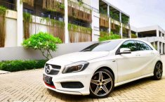 Mercedes-Benz A250 (Sport) 2015 kondisi terawat