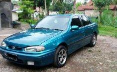 Hyundai Elantra  1995 Hijau