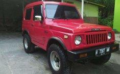 Suzuki Jimny  1985 Merah