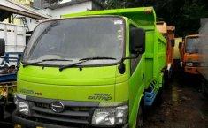 Jual Mobil Hino Dutro  2012