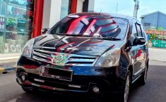 Dijual Nissan Grand Livina Ultimate 2011