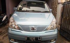 Jual Mobil Nissan Serena Highway Star 2004