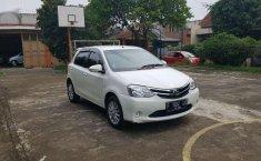 Toyota Etios 2015 terbaik