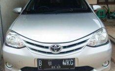Toyota Etios  2013 Silver