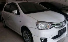 Toyota Etios  2014 harga murah