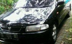 2000 Mazda 323 dijual